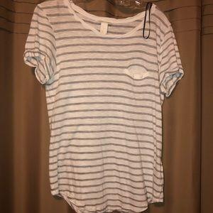 gray//white striped basic tee